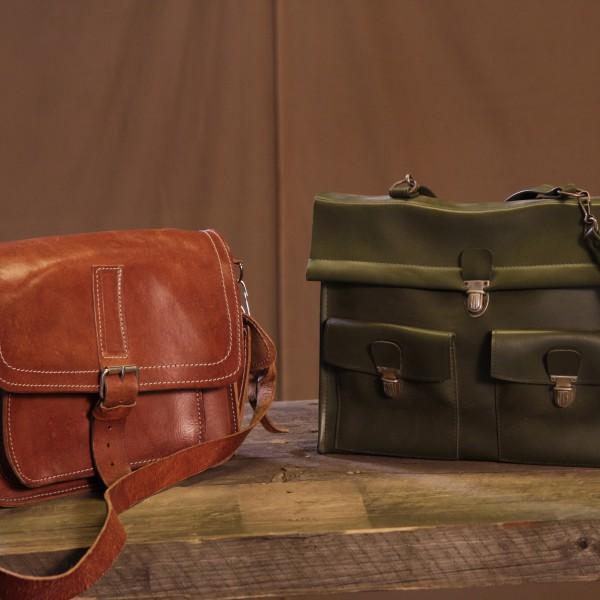 Väskor modell större